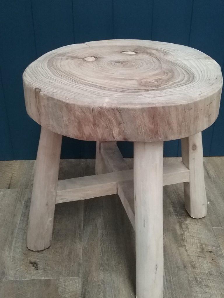 Round timber chinese worker stool